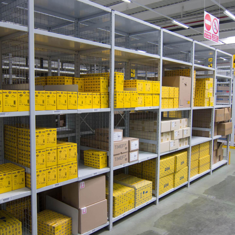 Carga ligera industrial estantería con paquetes | POLYPAL STORAGE SYSTEMS