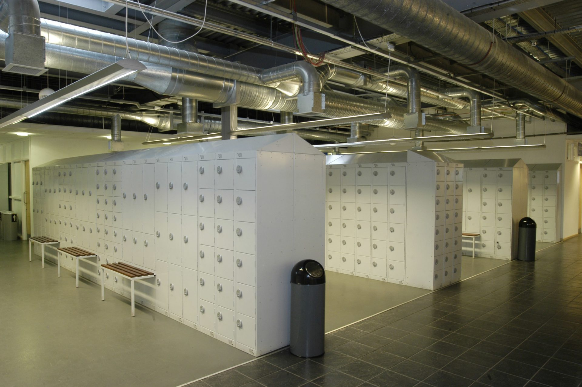 Everyday lockers | POLYPAL STORAGE SYSTEMS