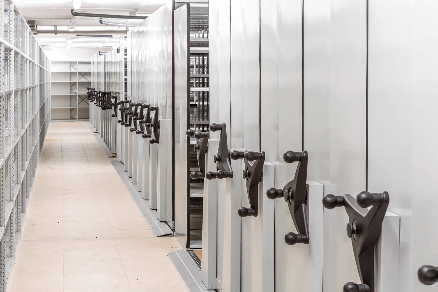Mobile shelving | POLYPAL STORAGE SYSTEMS