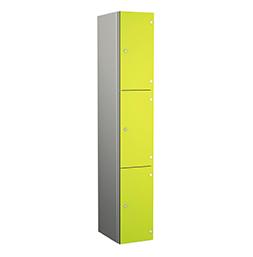 Taquilla de aluminio de tres puertas verdes | POLYPAL STORAGE SYSTEMS