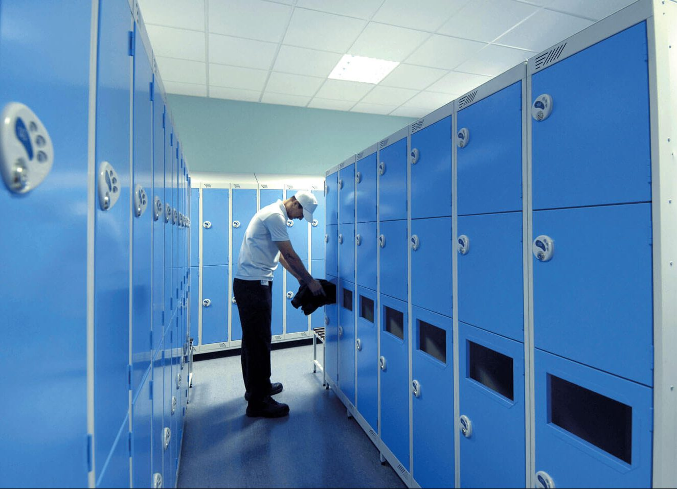 Laundry lockers | POLYPAL STORAGE SYSTEMS