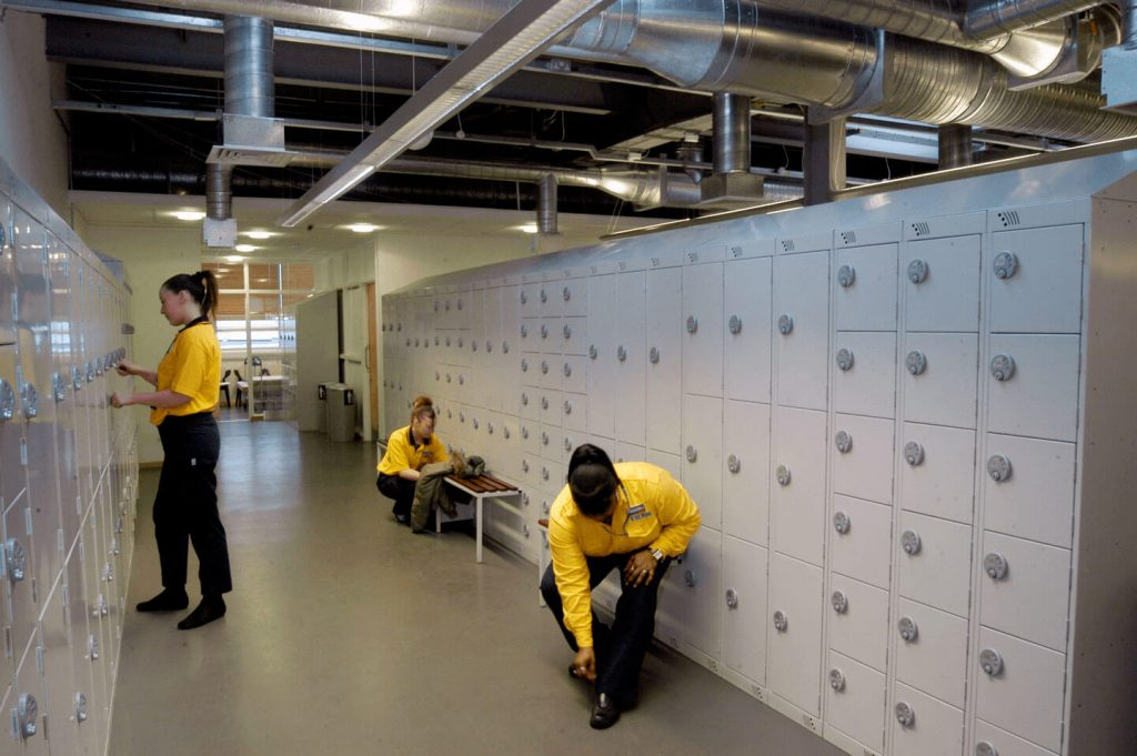 Workwear lockers | POLYPAL STORAGE SYSTEMS