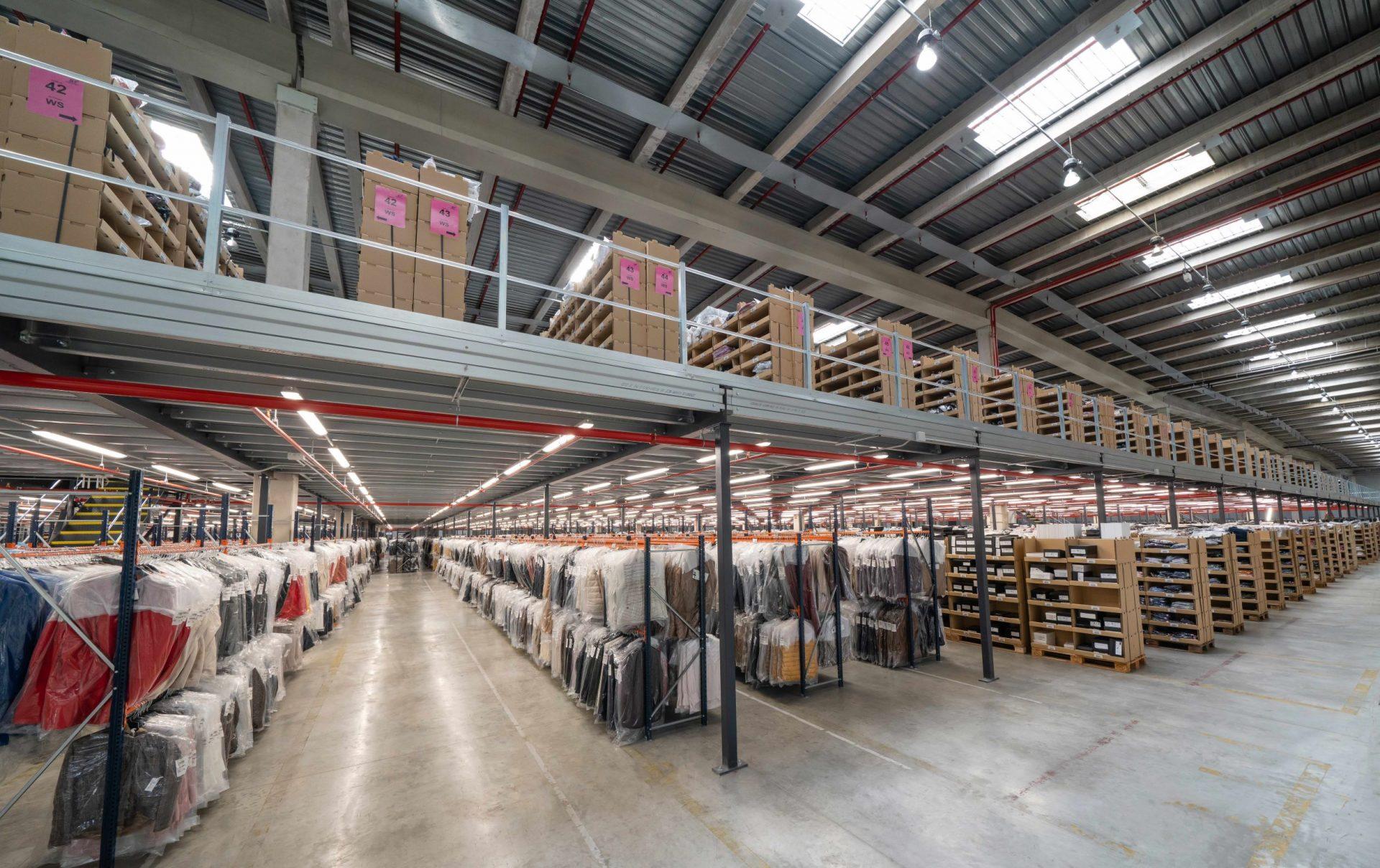 Estanterías retail Tendam   POLYPAL STORAGE SYSTEMS